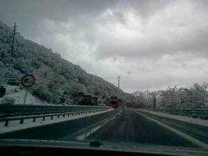 Autostrada con gelo
